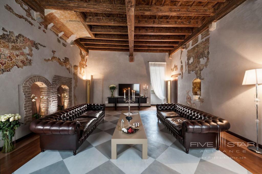 Affresco Suite at Palazzo Victoria, Verona, Italy