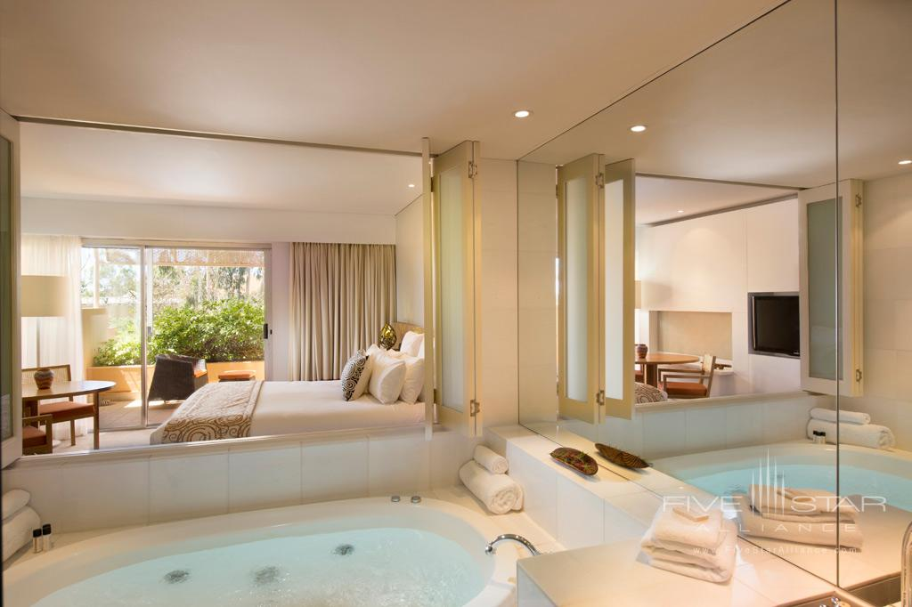 Deluxe Guest Room Bath at Sails in the Desert, Yulara, Australia