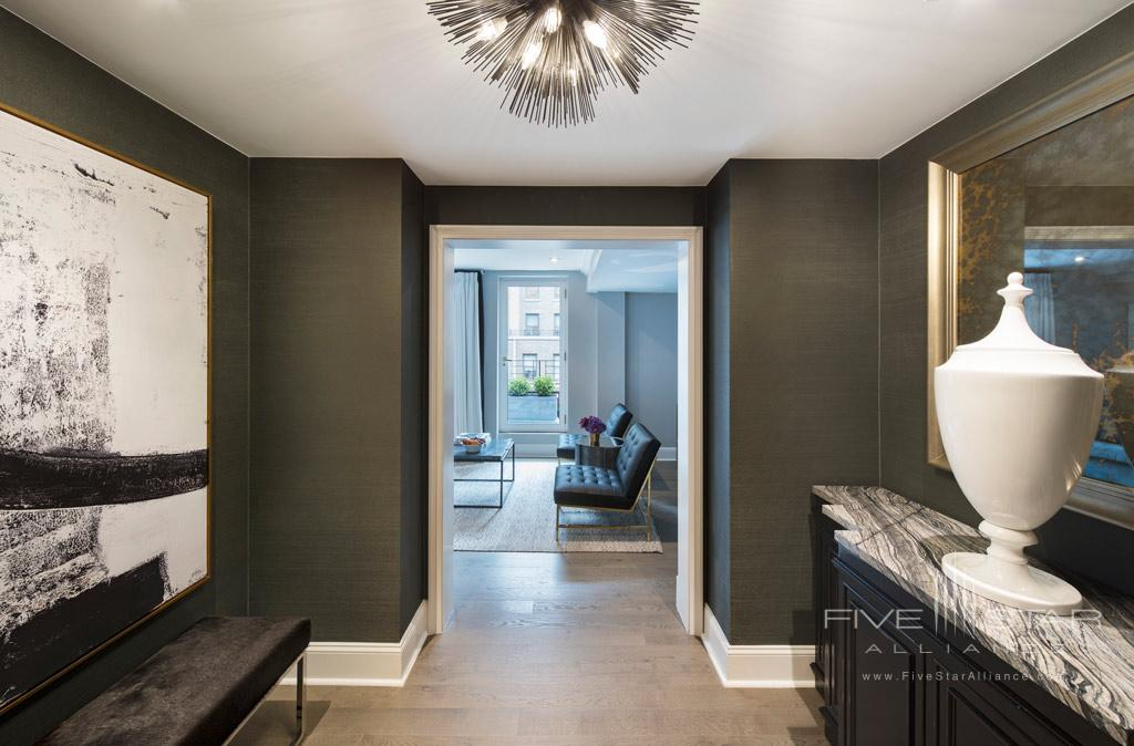 Apartment Suite Entrance to Omni Berkshire Place New York, United States