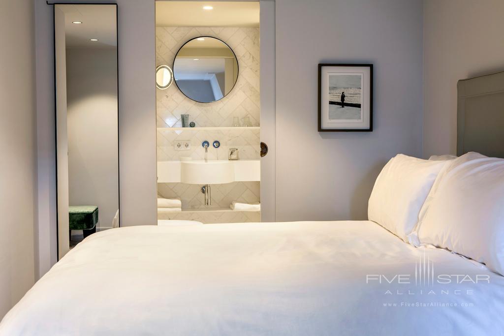 Guest Room at Pillows Anna van den Vondel, Netherlands