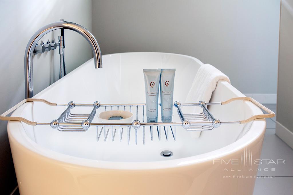 Suite Bath at Pillows Anna van den Vondel, Netherlands