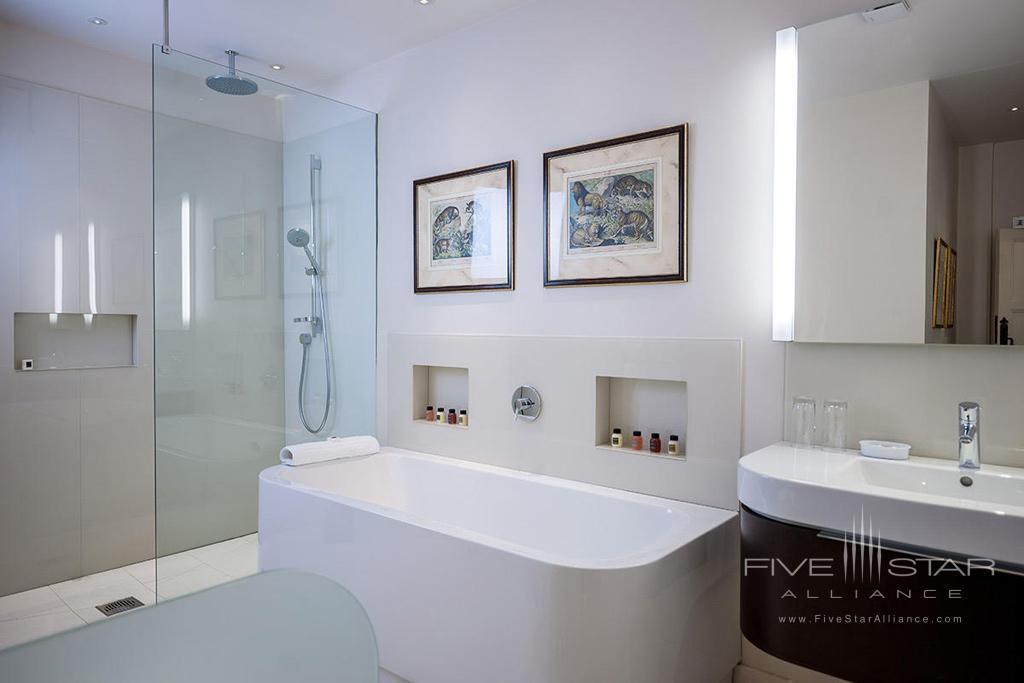 Guest Bath at Buckland Manor, Worcs, United Kingdom