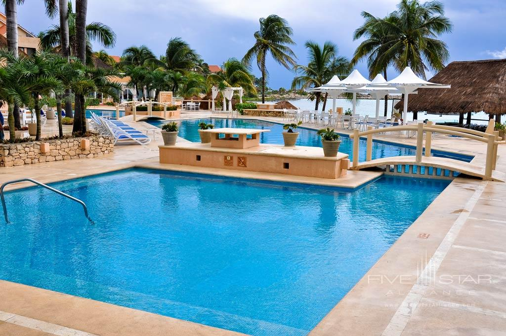 Outdoor Pool at Omni Puerto Aventuras Beach Resort, Puerto Aventuras, QR, Mexico