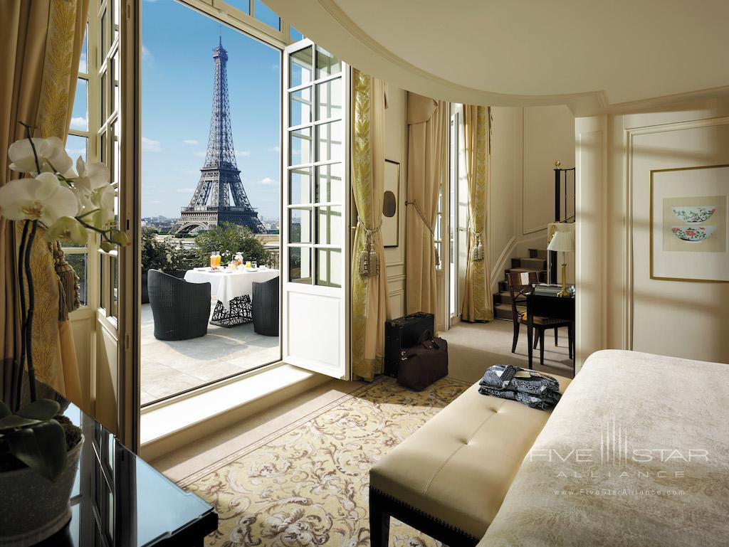 Duplex Terrace Eiffel View Suite at Shangri-La Hotel Paris
