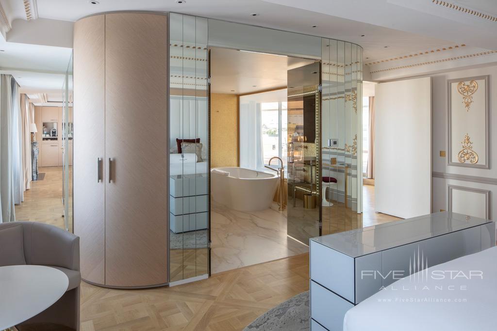 Enjoy Spacious Suites at Hotel Bowmann, Paris, France