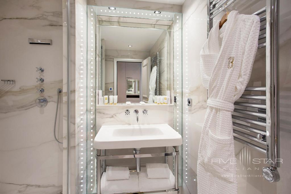Deluxe Bath at Hotel Bowmann, Paris, France