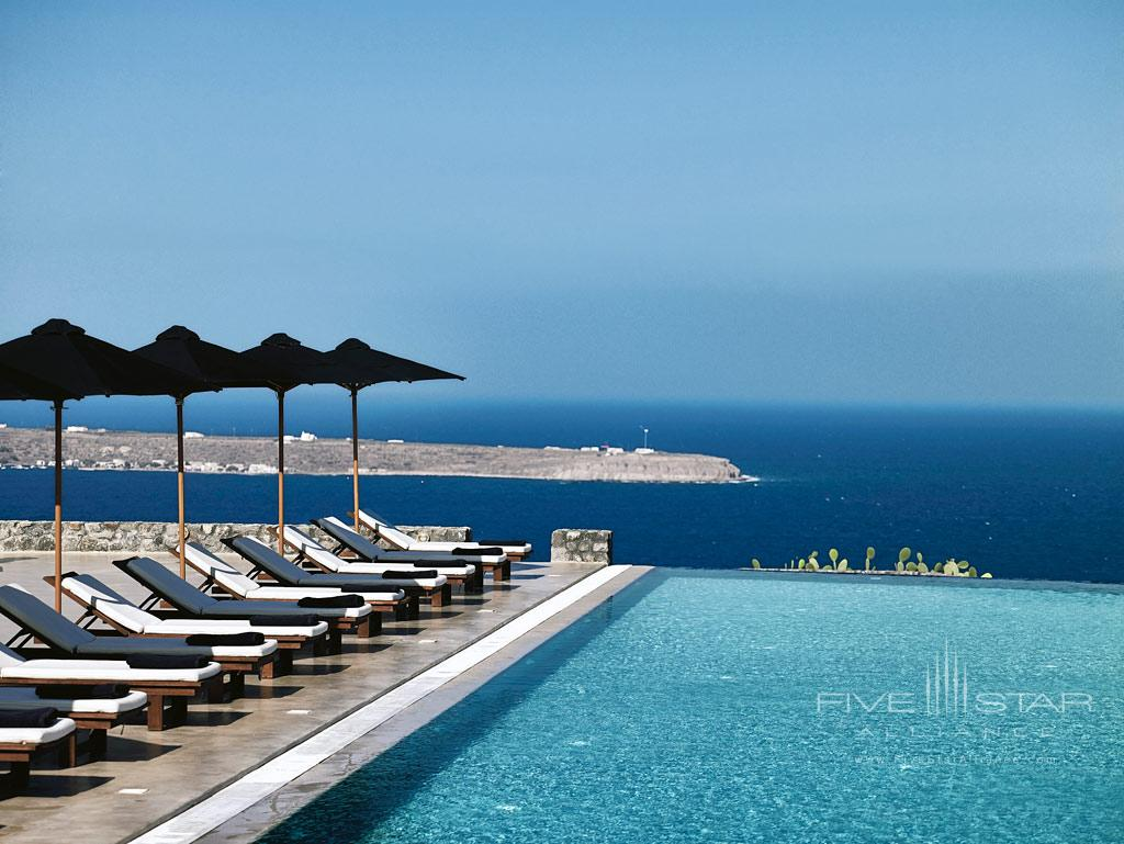 Pool at Santo Maris Oia Luxury Suites & Spa