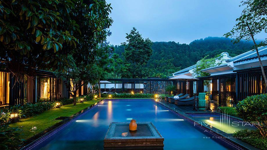 Villa Bath at Banyan Tree Tengchong, China