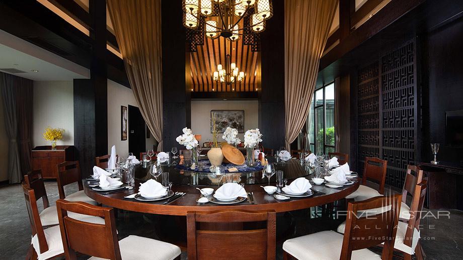 Dine at Banyan Tree Tengchong, China