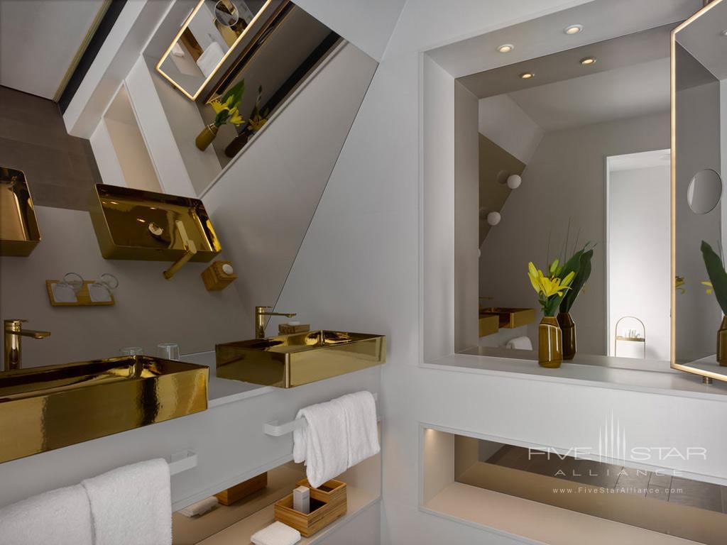 Guest Bath at Nobu Hotel London Shoreditch, UK
