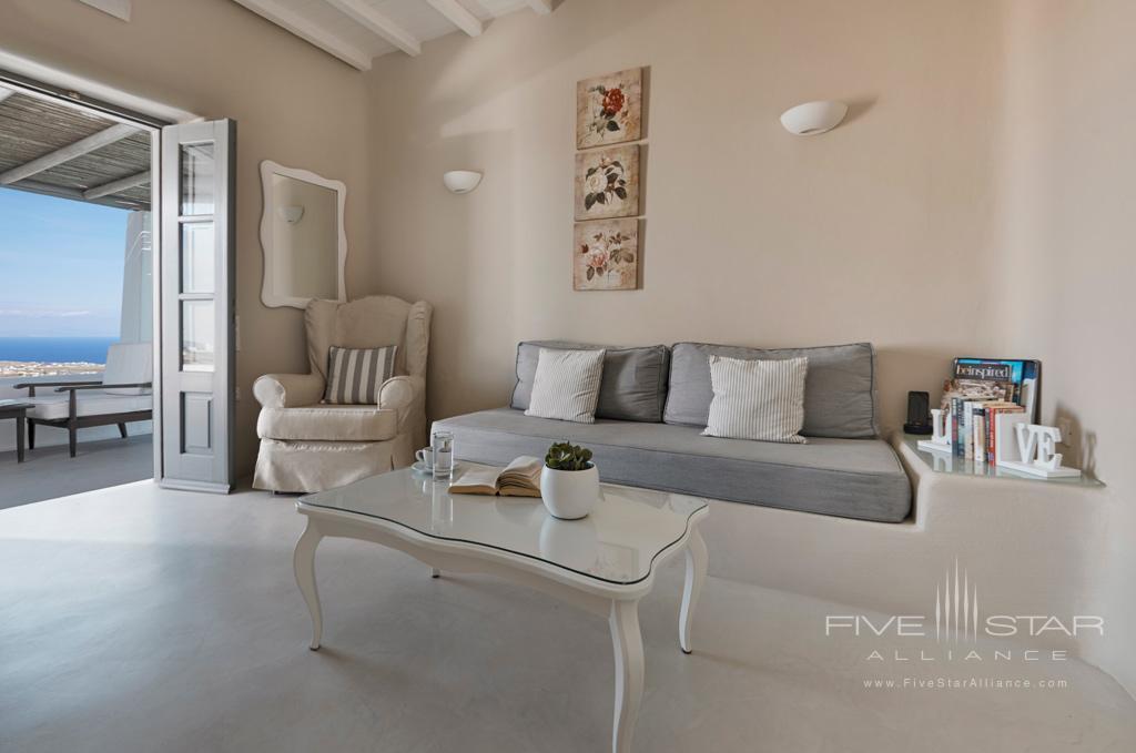 Living at Carpe Diem Santorini, Greece