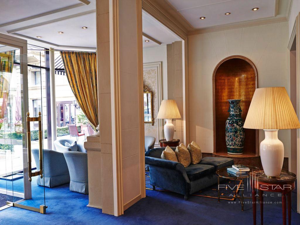Guest Lounge at Steigenberger Frankfurter Hof, Germany