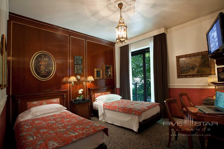 Double Guest Room at Hotel de la Ville, Monza, Italy
