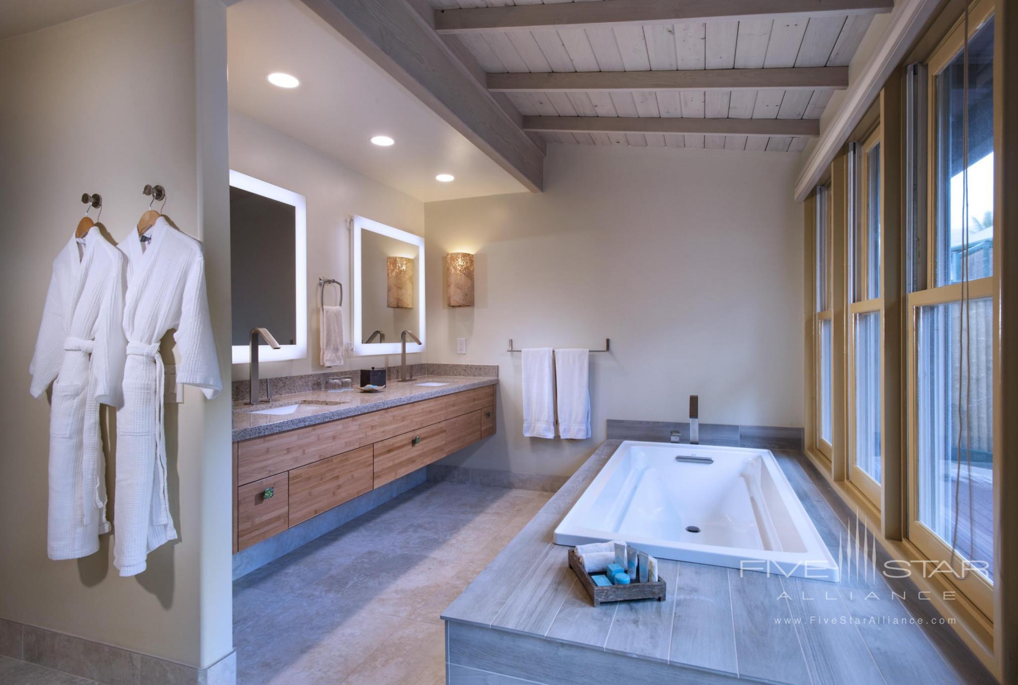 Hana-Maui Resort Ocean Bungalow Suite Bathroom