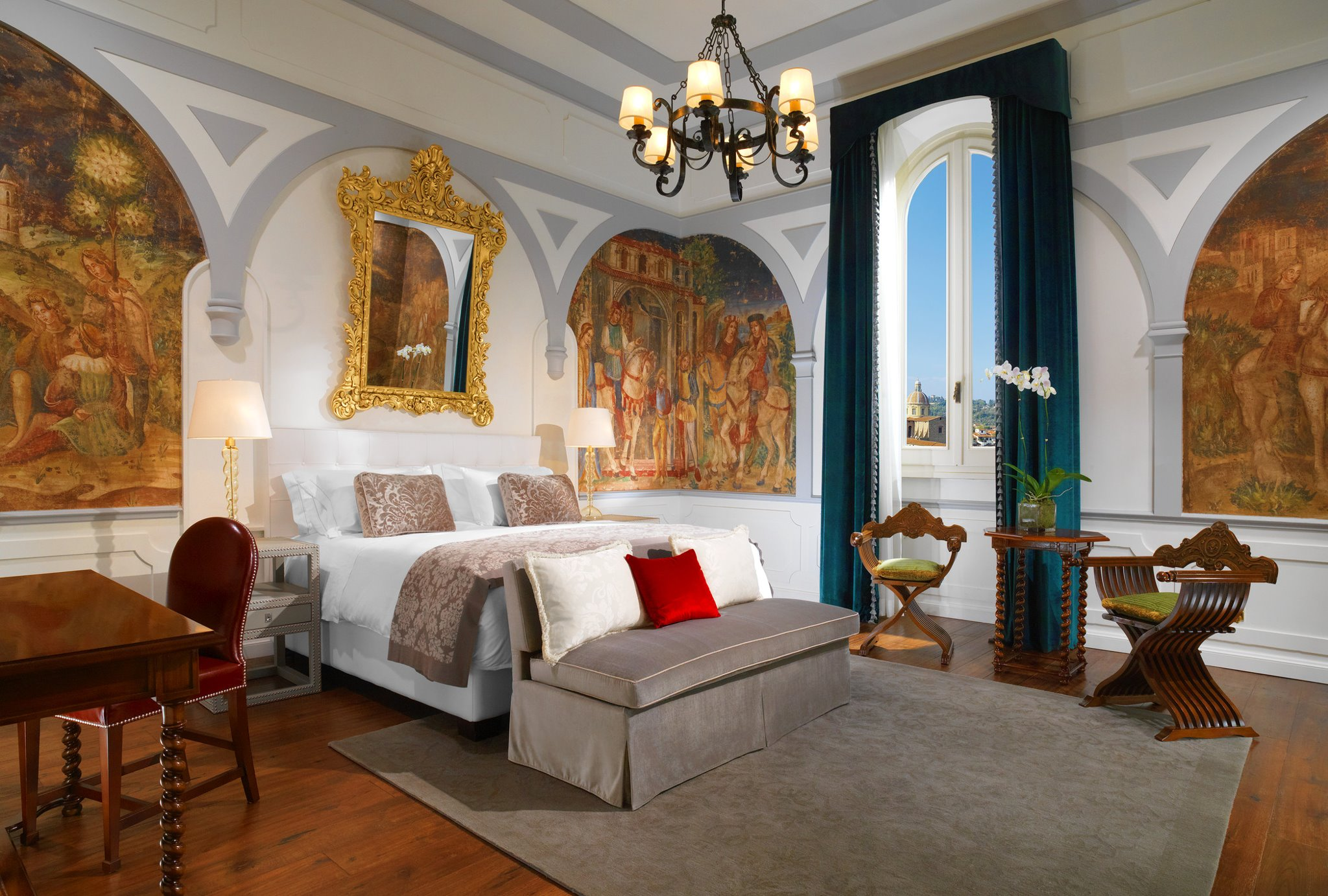 St Regis Florence Arno River View