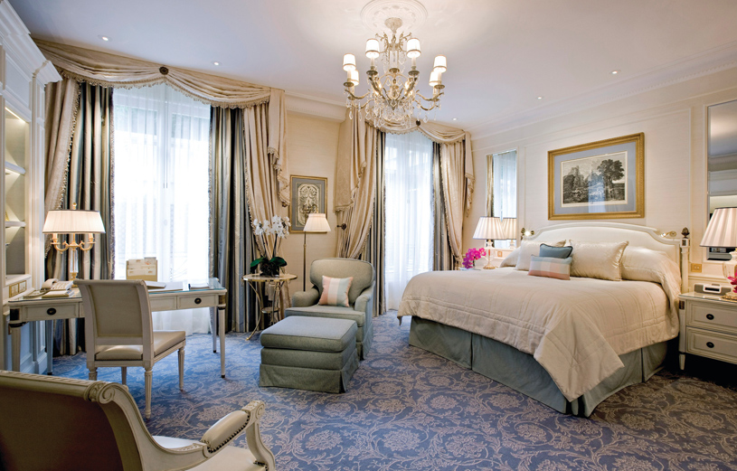 Four Seasons Hotel George V Paris Deluxe Room 1 King Bed