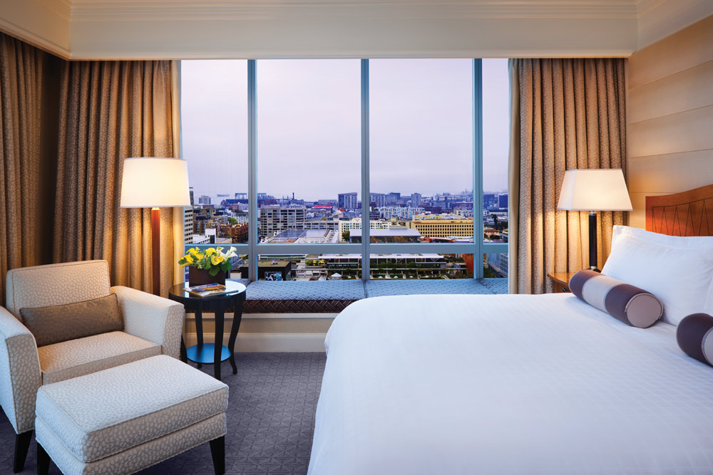 Deluxe King Room at Four Seasons San Francisco