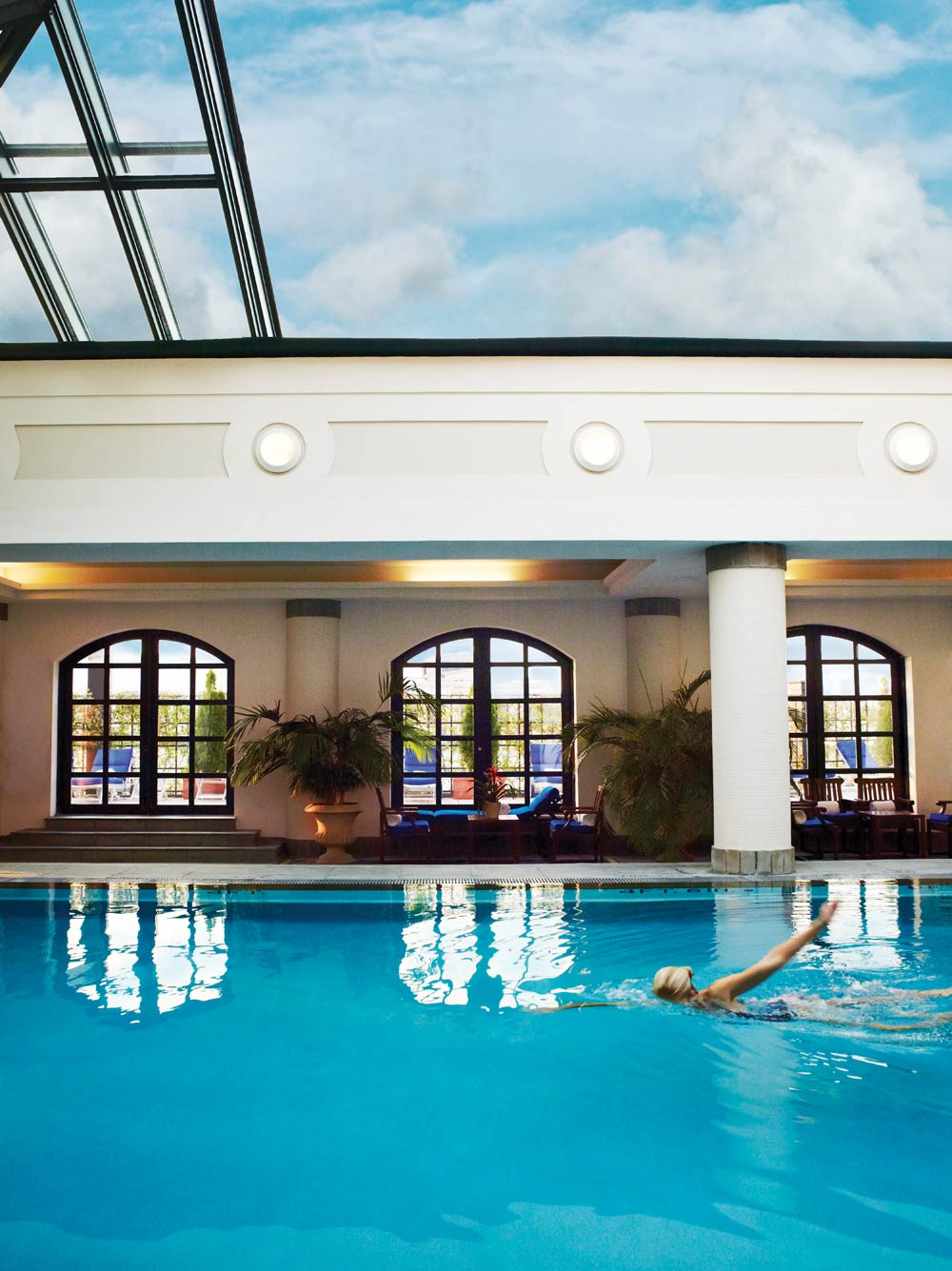 Rooftop pool at the belmond charleston place