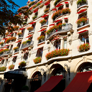 Exteior of the Hotel Plaza Athenee Paris