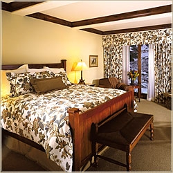 Superior Valley View guest room