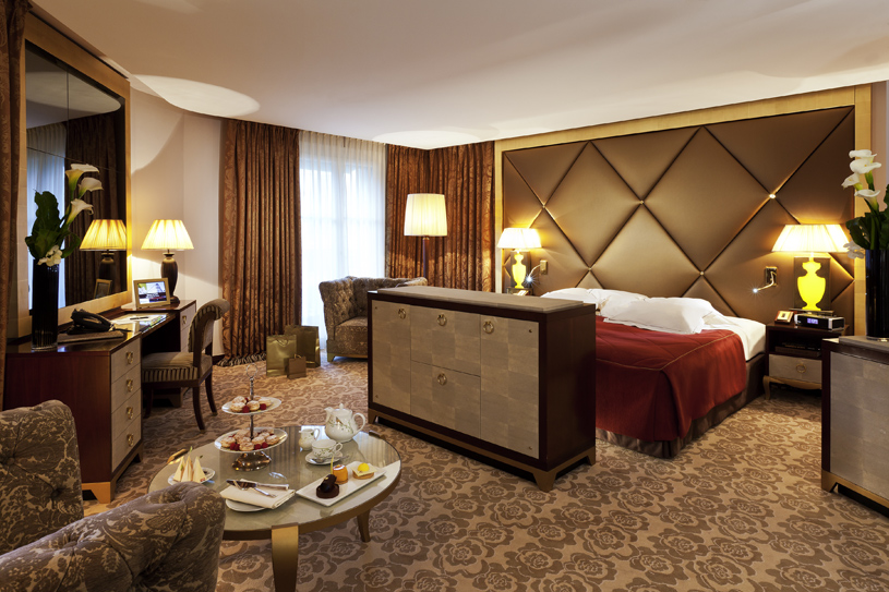 Hotel Fouquet's Barriere Junior Suite Deluxe