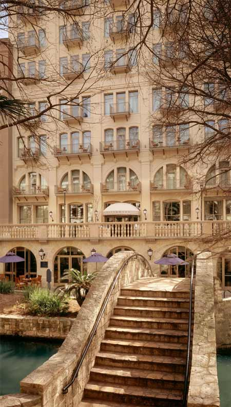 Can You Recommend A River Walk Hotel In San Antonio