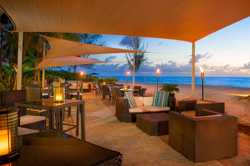The Ocean Lounge and Bar at Westin Grand Cayman