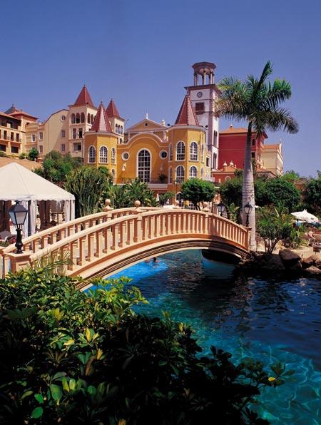Gran Hotel Bahia del Duque Resort & Spa