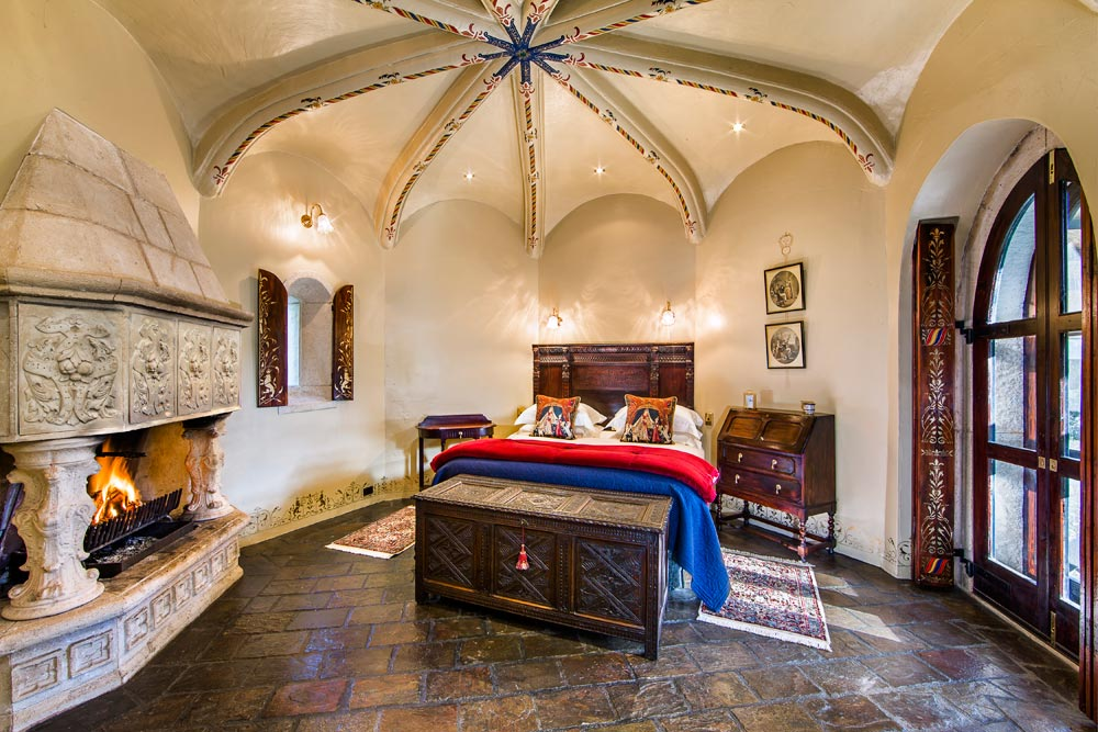 Castle Chamber at Thorngrove Manor Hotel, South Australia