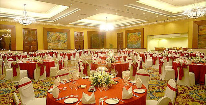The Lalit Mumbai showing a hall view