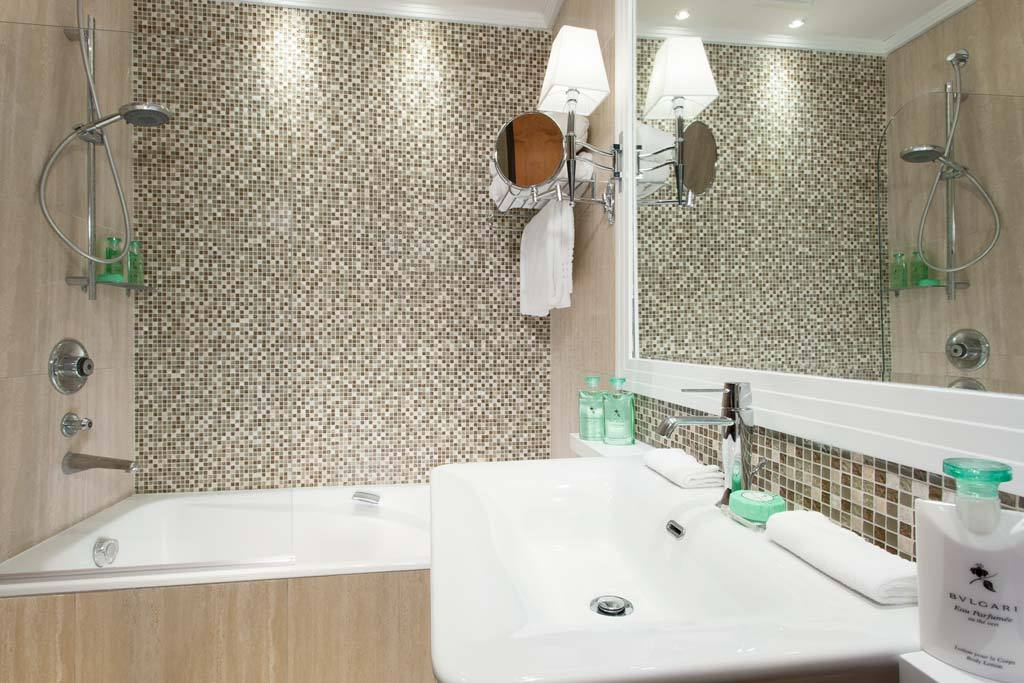 Bathroom of Melville Suite