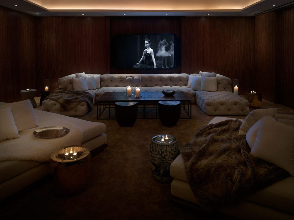 Public chicago chicago il five star alliance - Sala de cine en casa ...