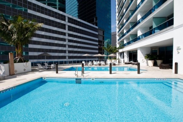 Epic Hotel Miami Pool