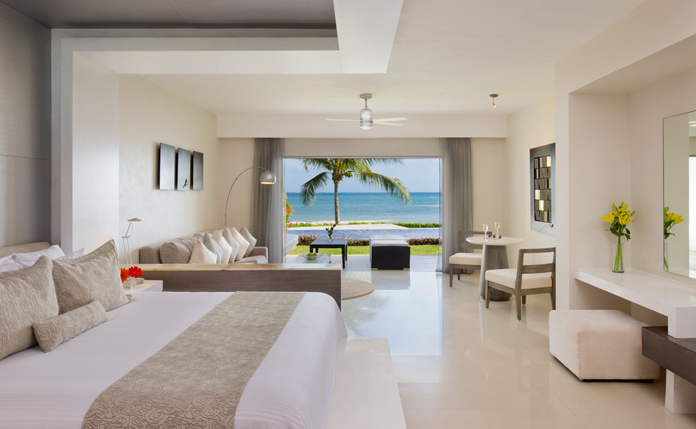 Preferred Club Junior Suite Ocean Front Swim Up at Secrets Silversands Riviera Cancun