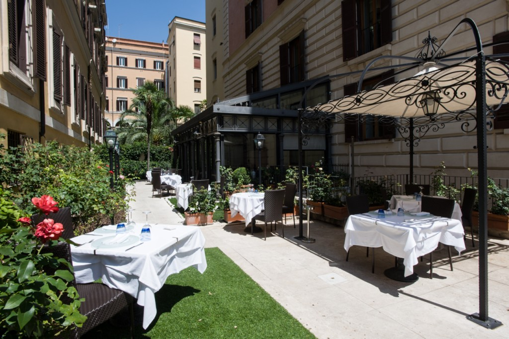 The Rose Bush In The External Garden At Rose Garden Palace Is Responsible  For The Name Of The Luxury Rome Hotel.