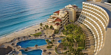 Exterior of Grand Park Royal Cancun Caribe