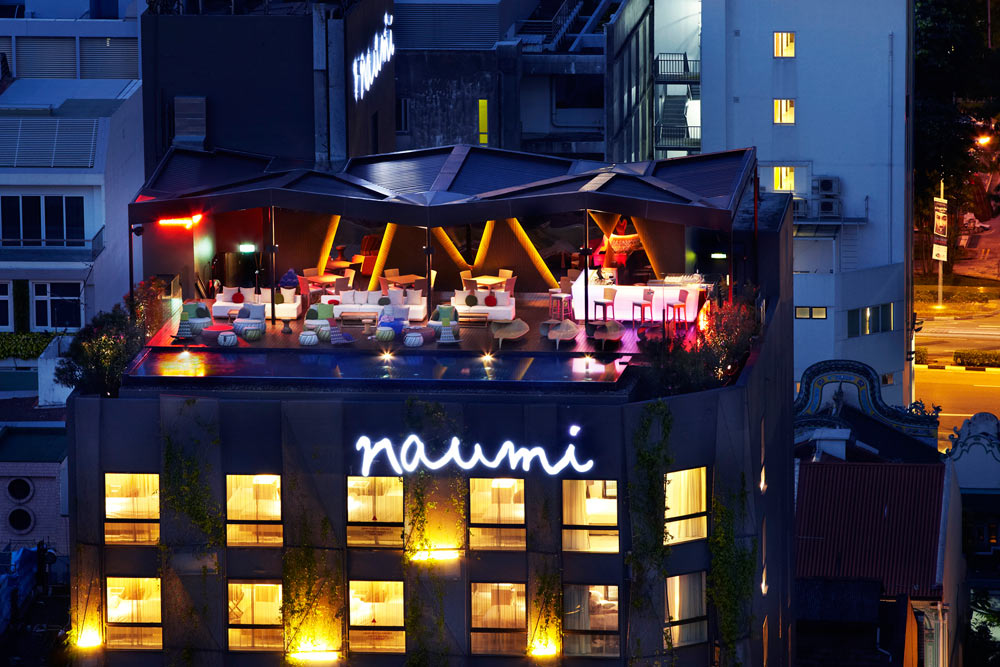 Rooftop Bar and Lounge at Naumi Hotel Singapore