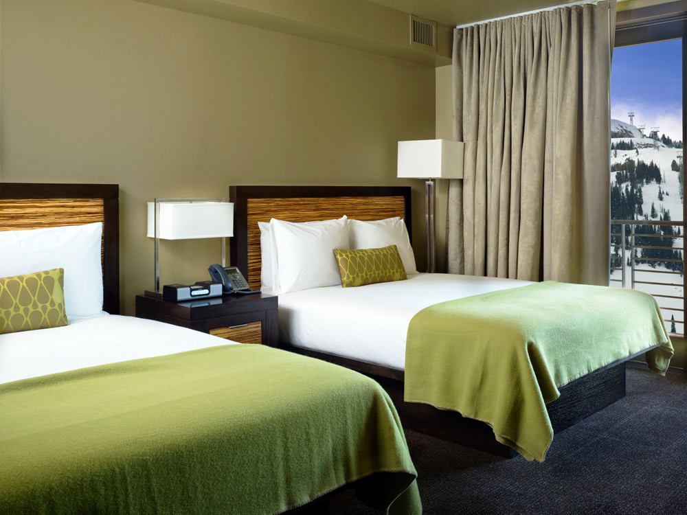 Twin Bed Guestroom at Hotel Terra, Wy