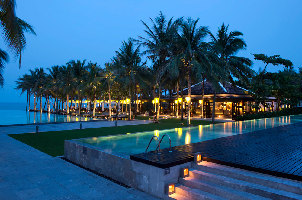 Dining at the Beach Restaurant at Nam Hai Hotel
