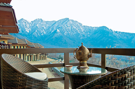 Vivanta by Taj Dal View Srinagar