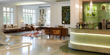 The James Royal palm Coffee Bar and Lobby Lounge