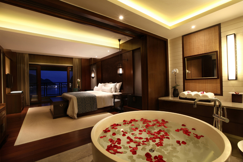 New luxury hotels opening in 2012 anantara sanya five for Great small luxury hotels