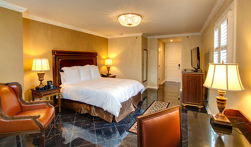 Guest room at the Hotel Mazarin