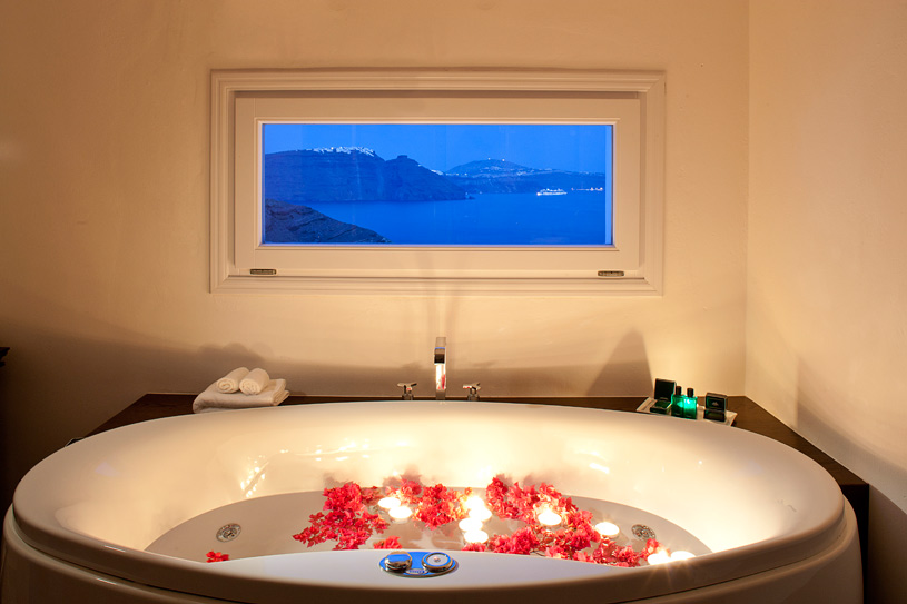 Honeymoon Suite soaking tub at The Canaves Oia Hotel