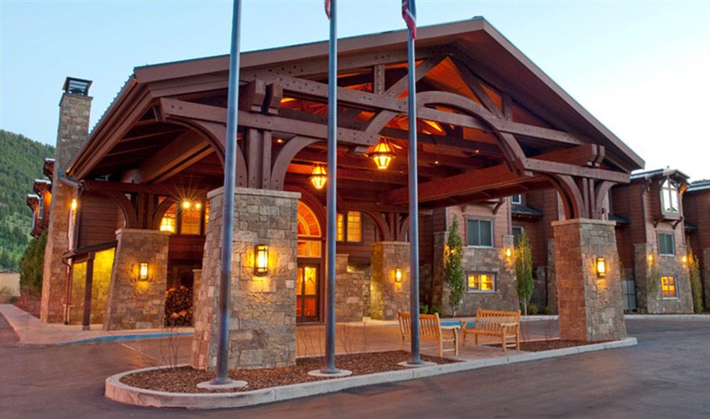 Wyoming inn jackson wy five star alliance for Luxury hotel jackson hole