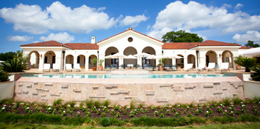The Inn at Dos Brisas is an intimate resort in the Texas countryside, conveniently located near Austin and Houston