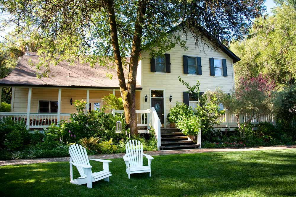 Farmhouse Inn